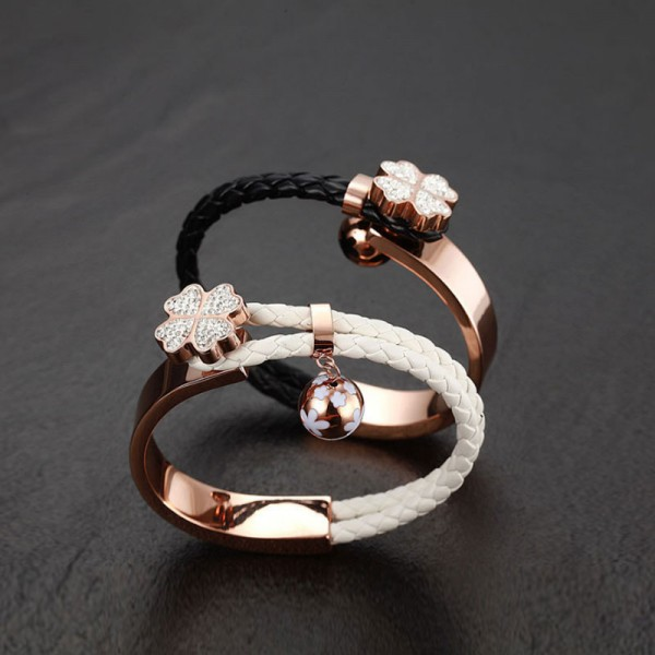 Jeulia Clover Pretty Cute Round Cut Created White Sapphire Titanium Steel & PU Leather Bracelet