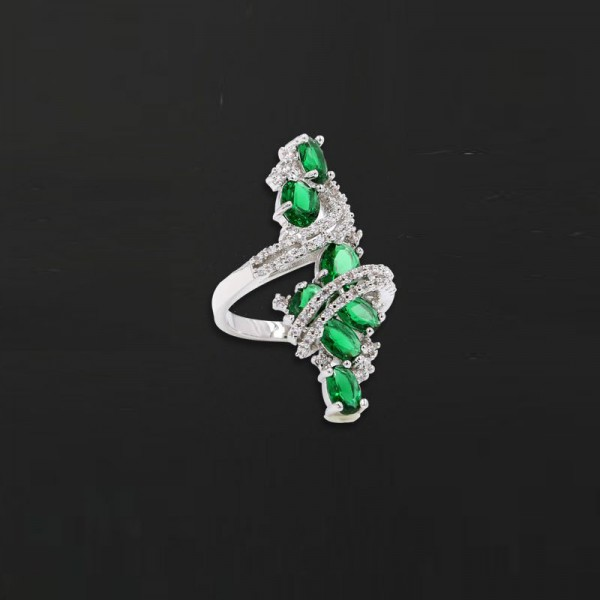 Jeulia Vintage Twist Created Emerald Alloy Ring